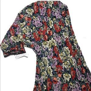 Gorgeous size large Lularoe Shirley Kimono.